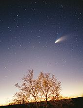 comet-hale-bopp-photo-on-night-sky-early-1997